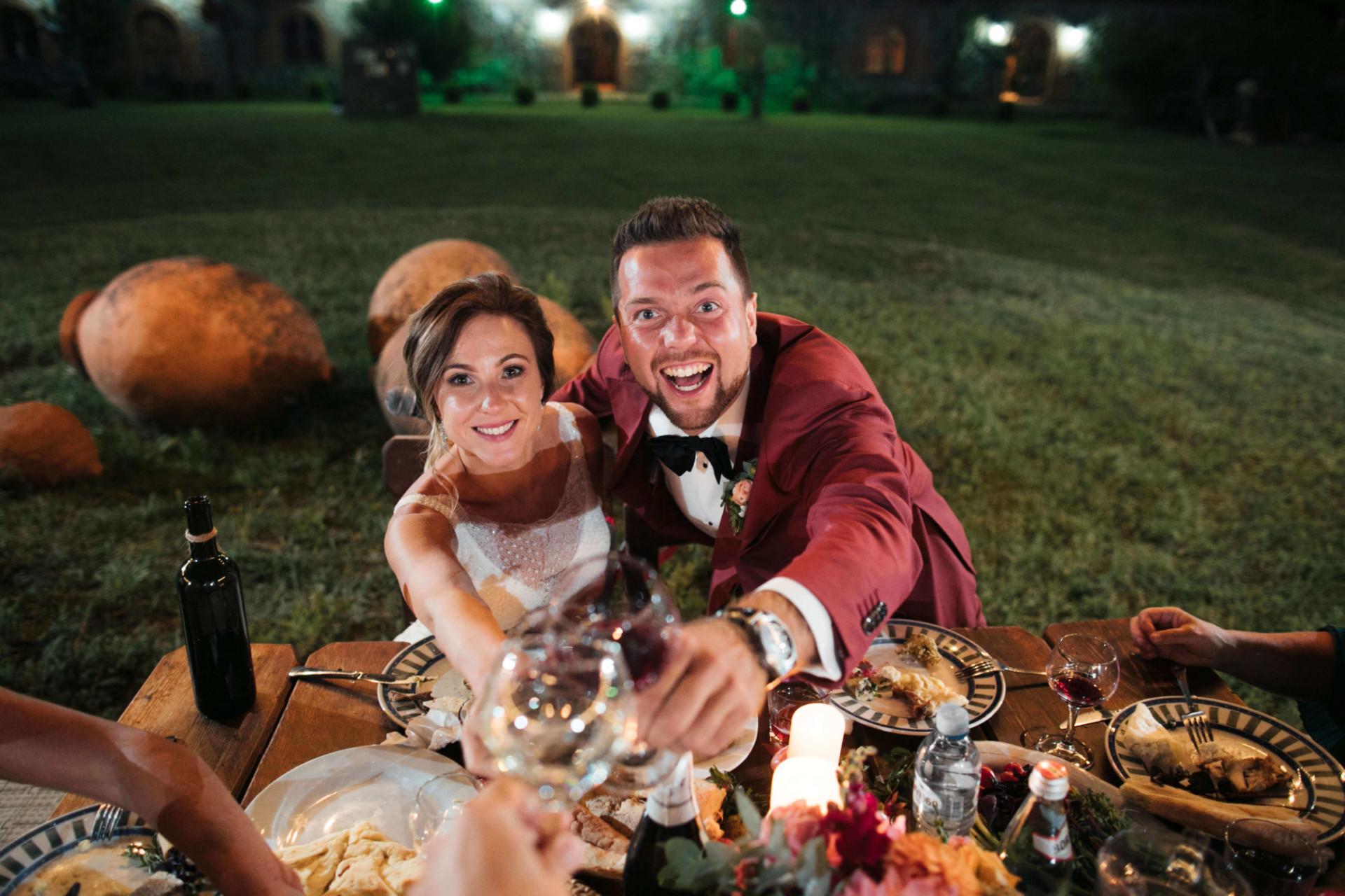 Свадебный ужин. Свадьба в Грузии. Жених и невеста