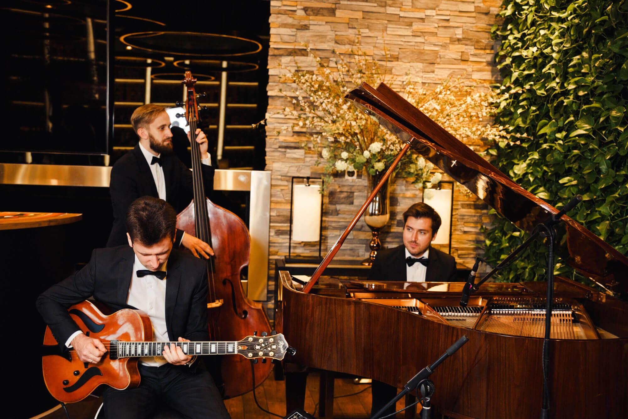 Живая музыка на свадьбе под ключ
