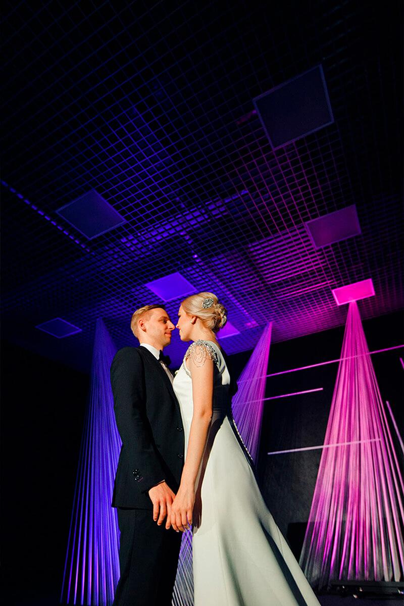 Неоновая свадьба в Москве. Свадебное агентство BM WEDDINGS & EVENTS