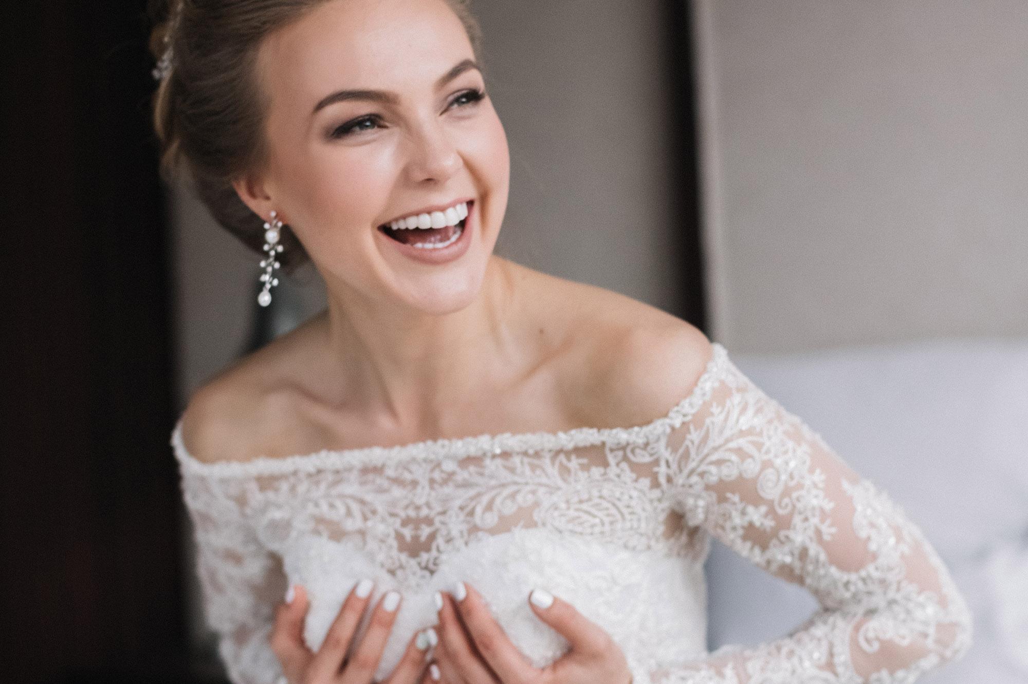 Фотосессия невесты в номере