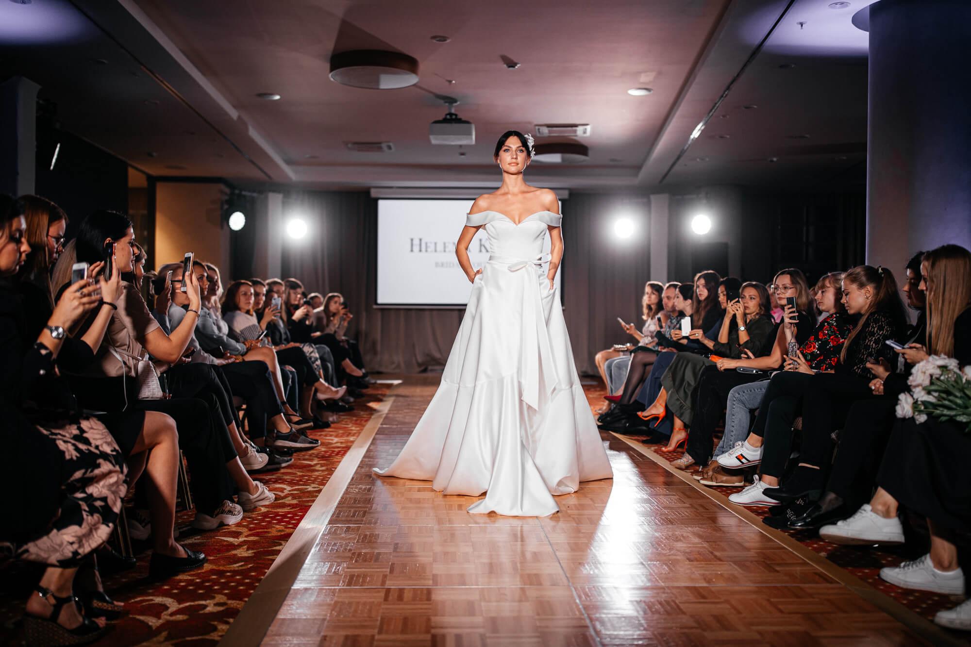 Показ свадебных платьев Helena Kolan