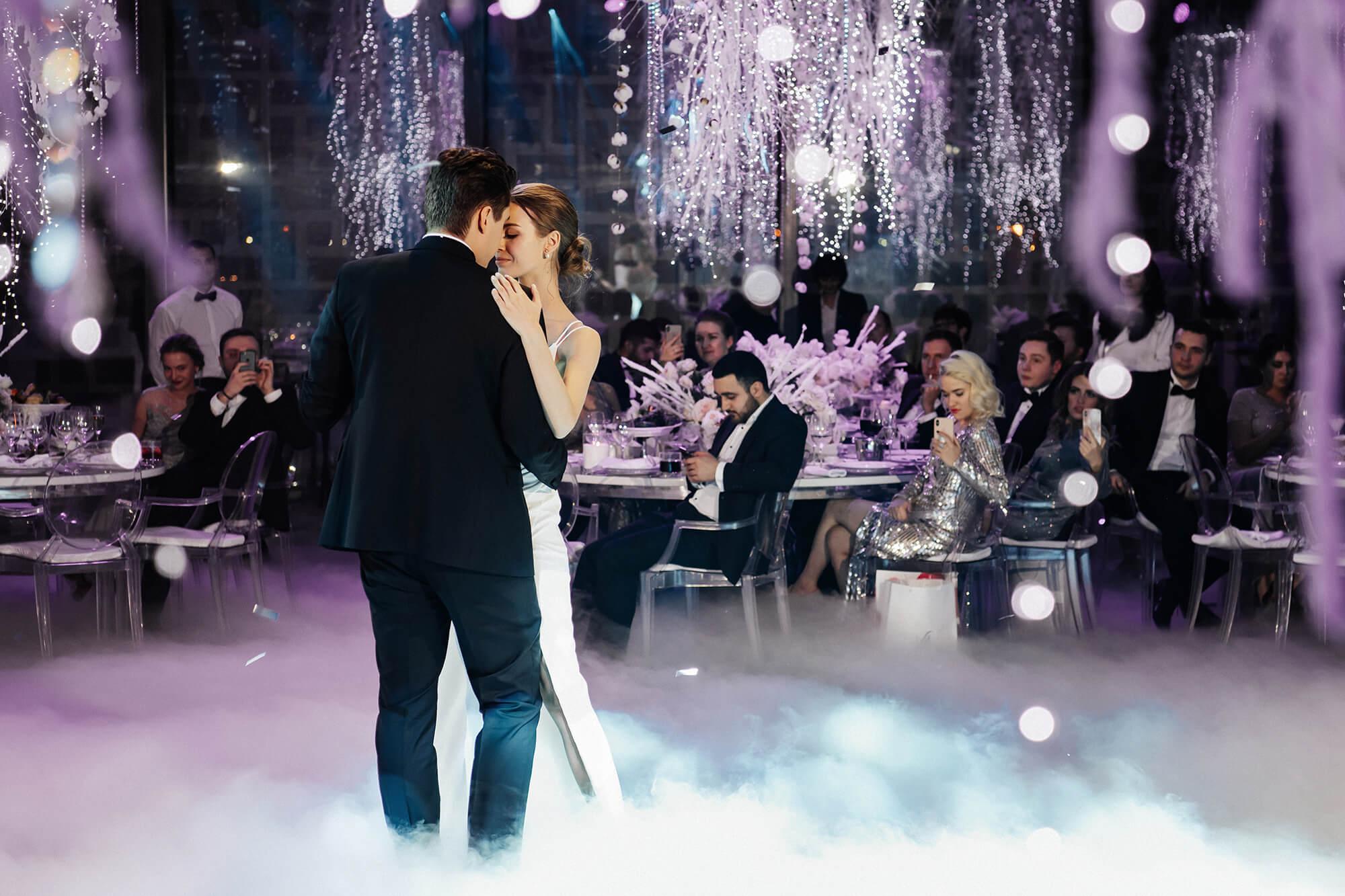 Первый танец молодоженов. Свадебное агентство BMWEDDING